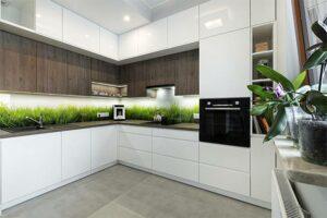 Bedruckte Küchenwand mit Gras