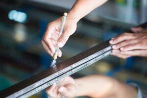 Glasdruck in der Ausbildung zum Glaser in München