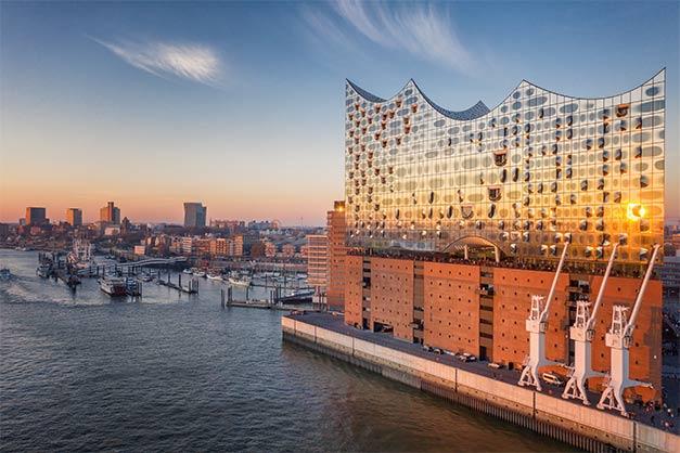 Elbphilharmonie Hamburg als Beispiel für Architektur aus Glas